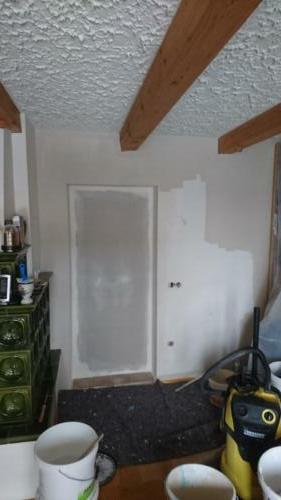 Türöffnung mit Trockenbau verschlossen